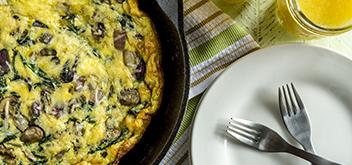 Omelette de champiñones y espinaca